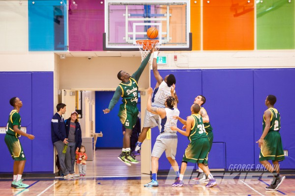 The Huskies men's basketball team defeated the Durham Lords 77-69 in the home opener at the Casa Loma gym on Oct. 24. Photo: Thomas Chung / George Brown College