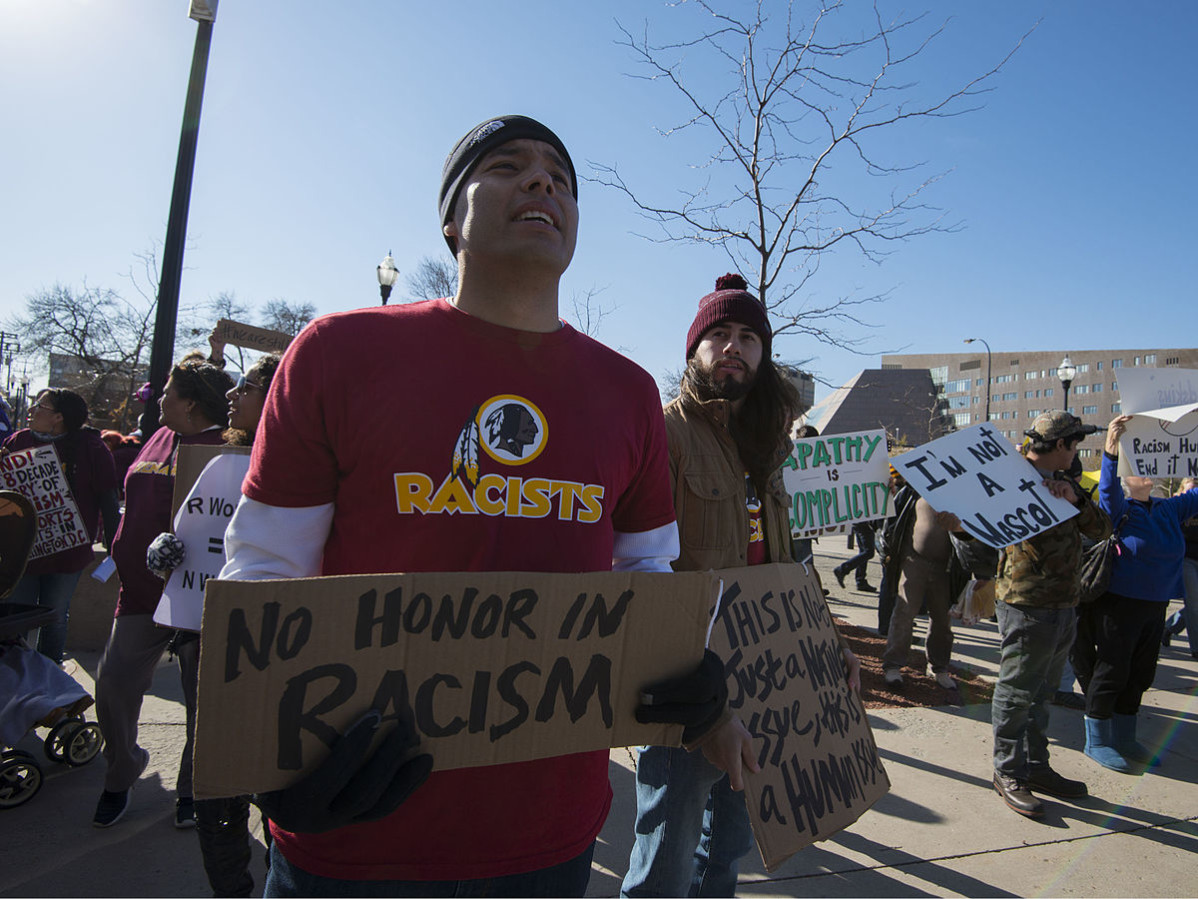 Several thousand protesters marched through Minneapolis to TCF Stadium where the Vikings were playing the Washington DC football team on Nov. 2, 2014. Photo: Fibonacci Blue / Flickr (CCby2.0)