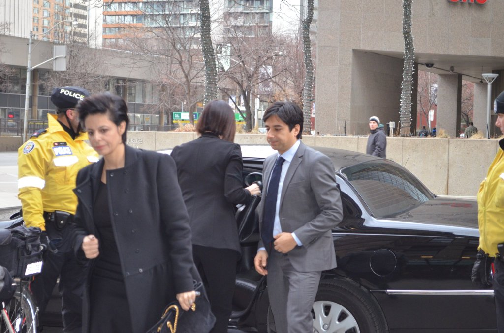Jian Ghomeshi arrives at court with his lawyer on Feb. 5. Photo: Aidan Cox / The Ryersonian