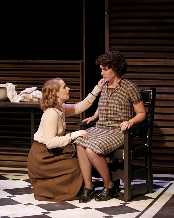 Terri Pimblett (left) and Bonnie Ings (right) in Machinal