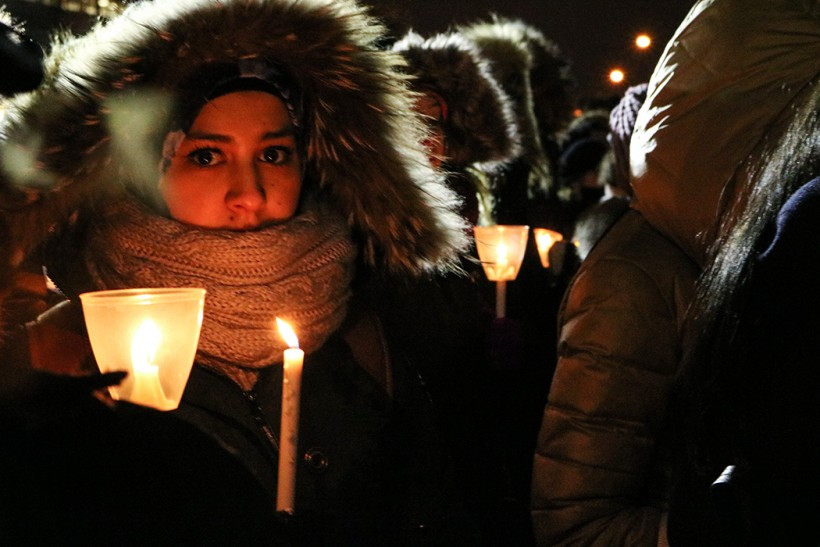 Montrealers gathered to mourn the victims of the Quebec City mosque shooting and show solidarity with Canadian Muslims at a vigil last Jan. 30. Photo Sarah Jesmer / The Link